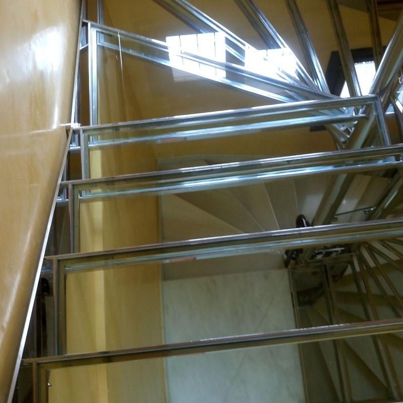 Escaleras:  de Icminox