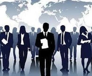 Los profesionales que prestan servicios a empresas deberán apuntarse en el Registro Mercantil