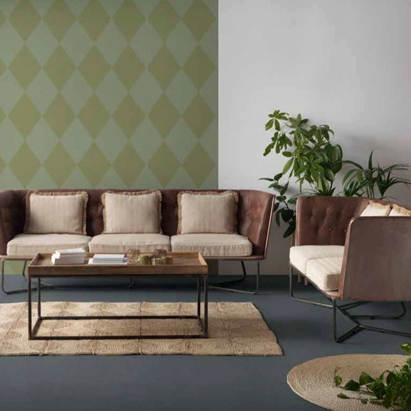 Sofás de 249 cm.  y 173 cm.Realizados en madera de abeto y metal Elegancia en estado puro.
