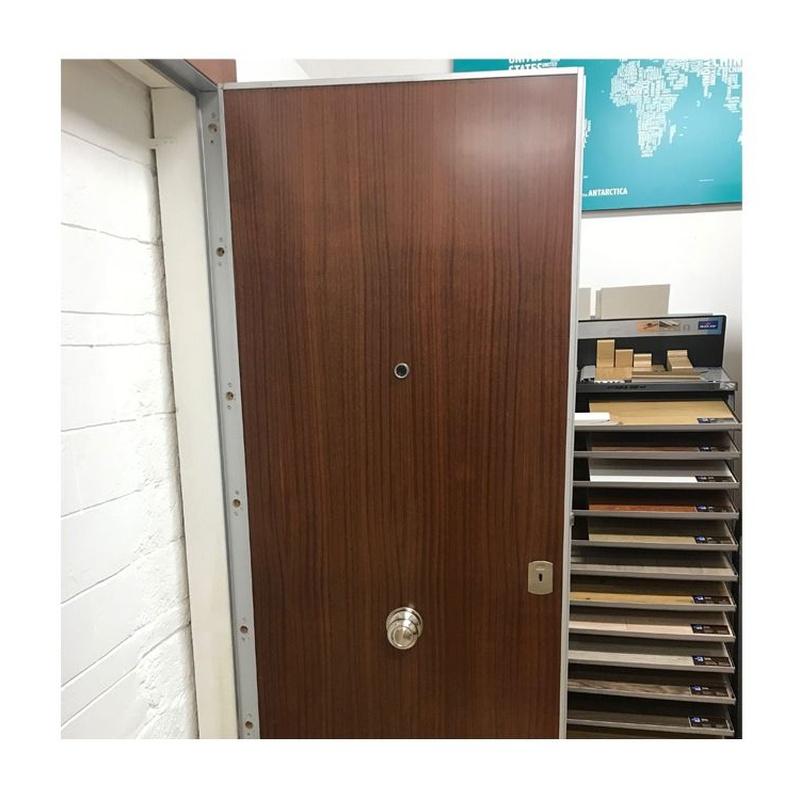 1. Puerta Blindada con cerradura Arku Bloc 511:  de Puertas Miret