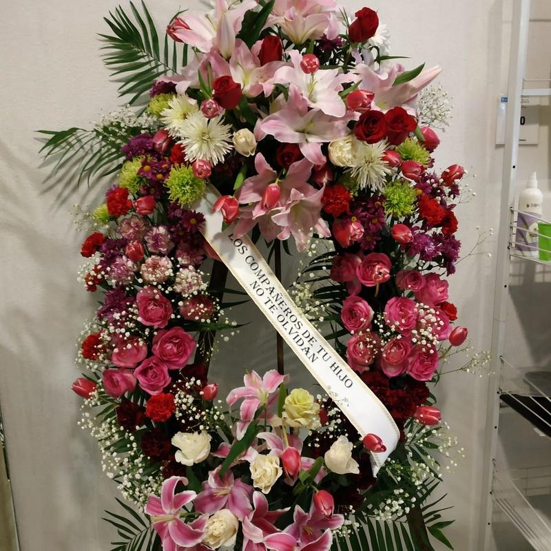 Coronas: Productos y servicios   de Floristas San Isidro José