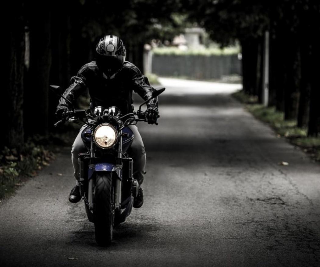 Cómo cuidar los neumáticos de tu moto