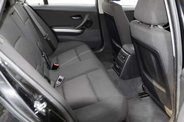 BMW SERIE 3.  320 D TOURING: Productos y Servicios  de Remolques JOGE