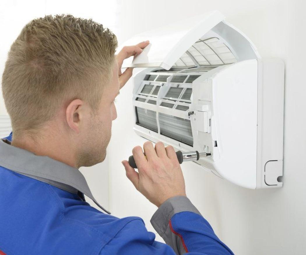 Los peligros de no limpiar periódicamente el aire acondicionado