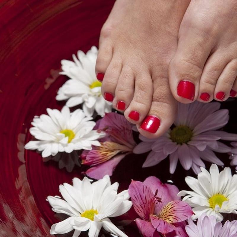 Tratamiento desinflamatorio para pies: Servicios de Ávila Nails
