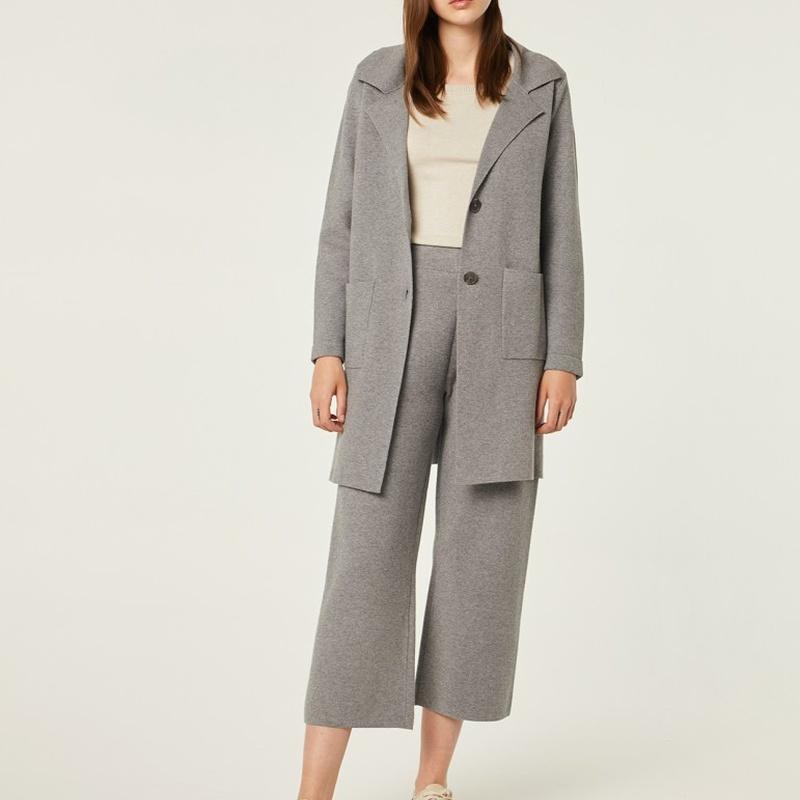 Conjunto chaqueta y pantalón de punto: Catálogo de Manuela Lencería