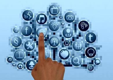 Síguenos en redes sociales