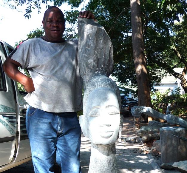 Joe Mutasa: Exposiciones y artistas de Gazzambo Gallery