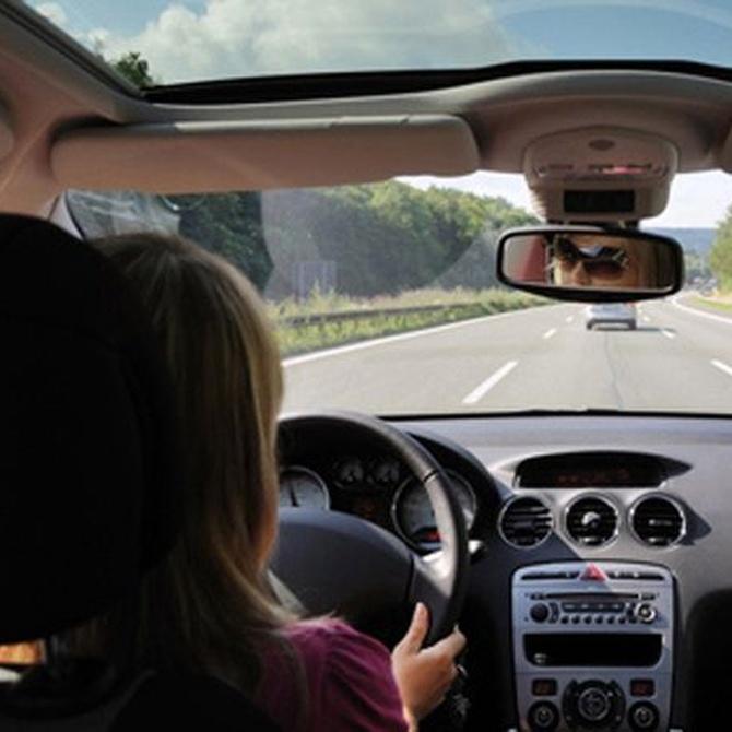 Los puntos claves del coche a revisar antes de un viaje