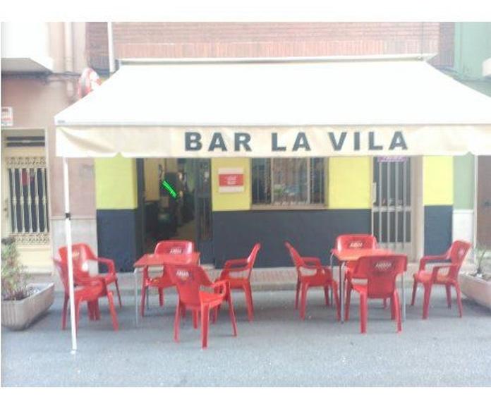 Terraza exterior: Carta y Servicios de La Vila