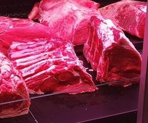 Carnicería selecta con productos nacionales