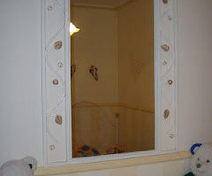 Espejo Blanco Margarita: Catálogo de muebles de forja de Forja Manuel Jiménez