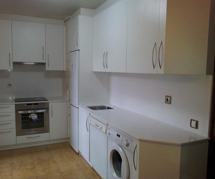 Mobiliario de baño y cocina: Servicios de Carpintería Orla