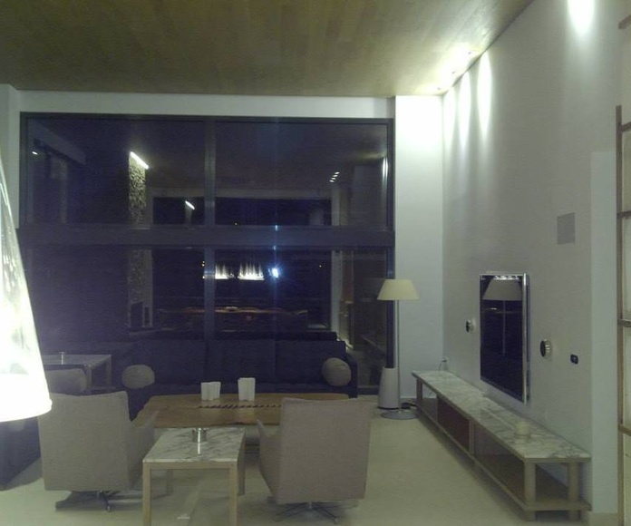 Impresionante iluminación en salón-comedor.