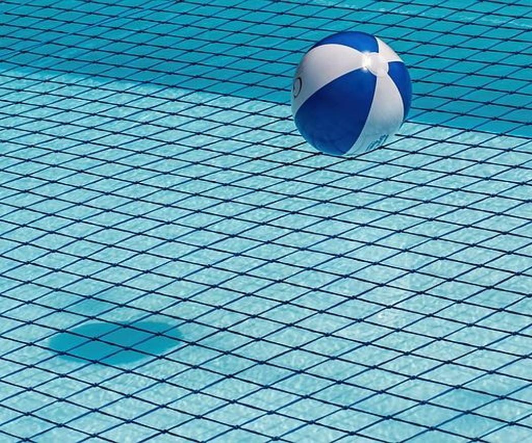 Qué accesorios necesitas para cuidar tu piscina