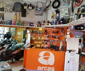 Interior de nuestra tienda en Sevilla