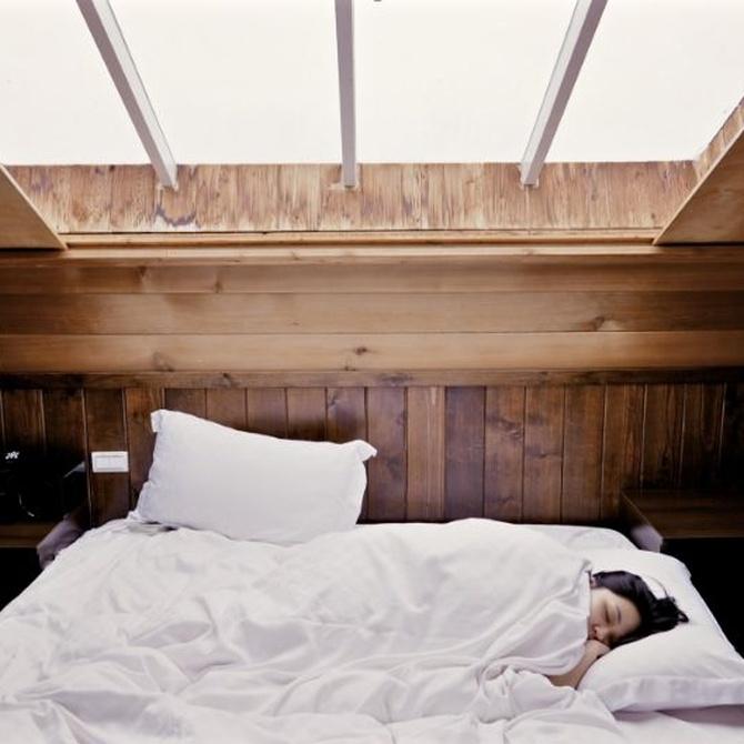 ¿Es bueno dormir con el aire acondicionado encendido?