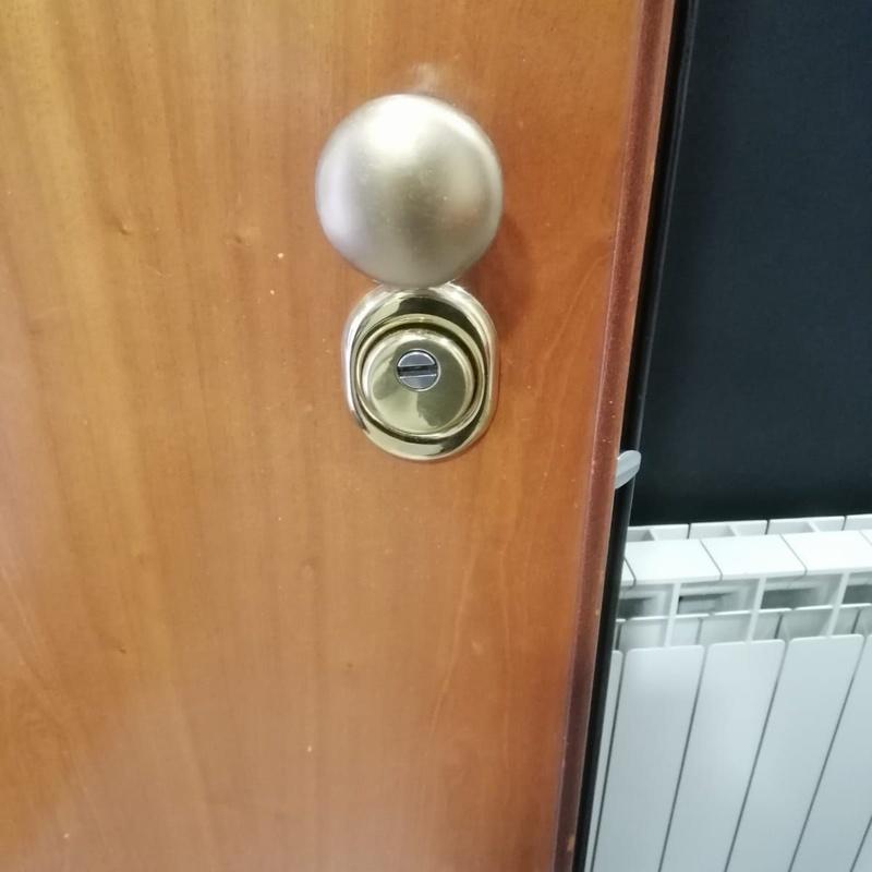 Conversión de cerradura de Gorjas Mottura a Europerfil: Servicios de Puertas Y Armarios Zarautz