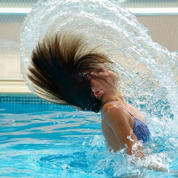 El cuidado del agua en la piscina pública