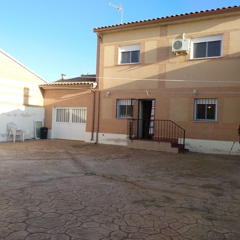 Chalet en Malpica del Tajo: Inmuebles de Inmobiliaria La Montañesa