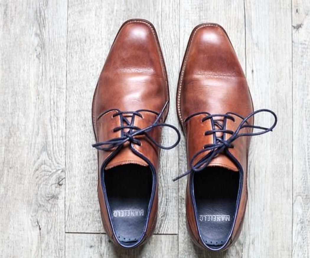 Cómo limpiar los cordones de los zapatos
