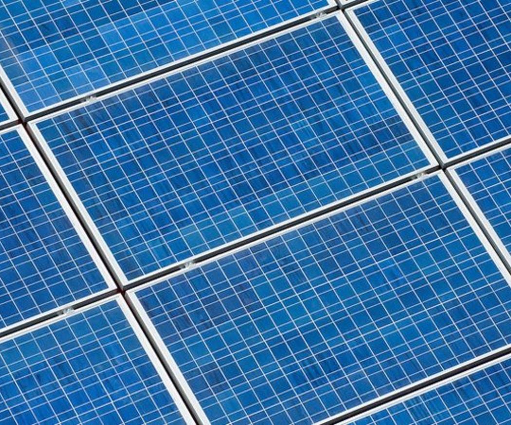¿Son rentables los paneles solares para negocios?