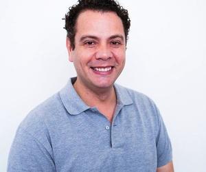 Dr. Xabier Arévalo - Implantes y Cirugía Maxilofacial