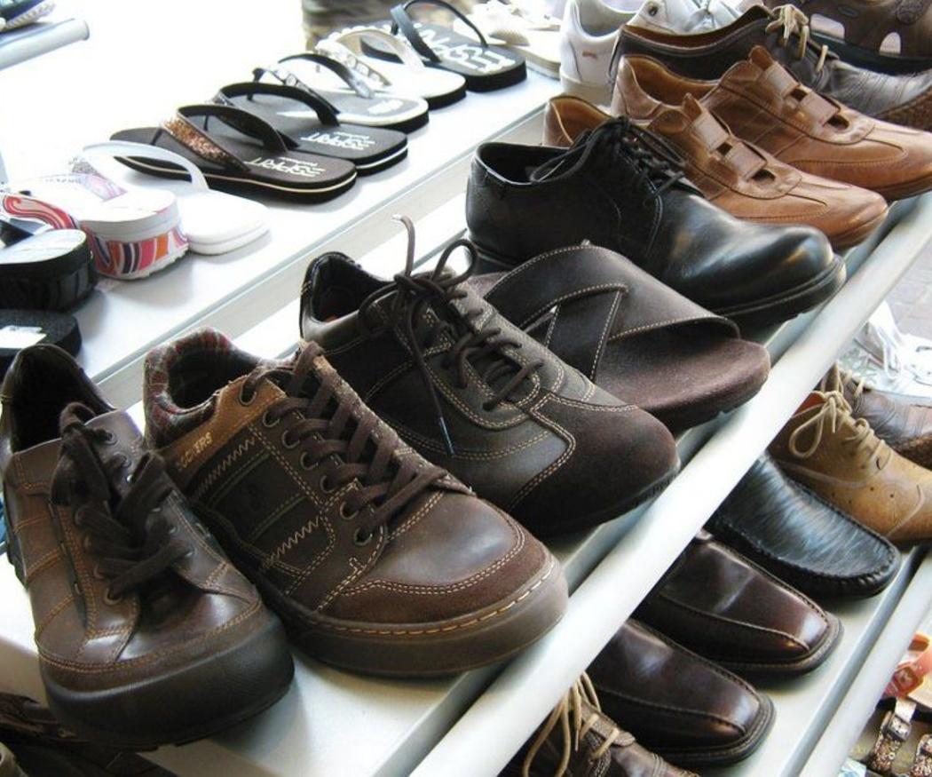 El mobiliario de zapatería