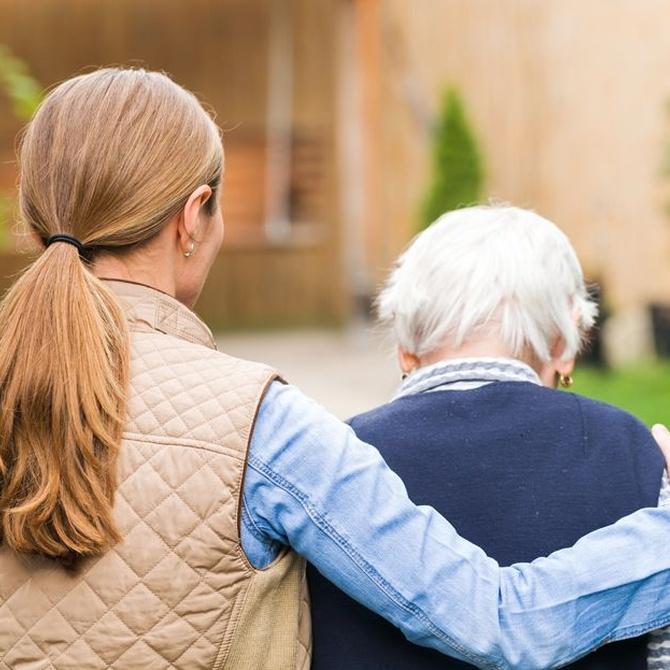 Beneficios de pasear en las personas mayores