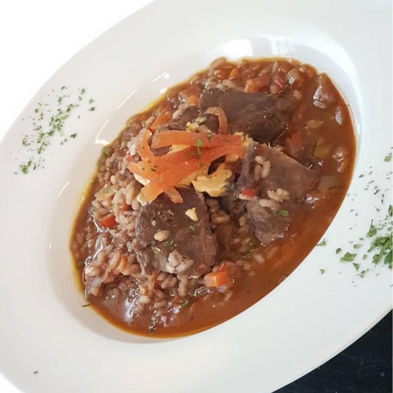Arroz con carrillera de ibérica foie y membrillo: Nuestros Arroces de Cafetería Restaurante La Victoria