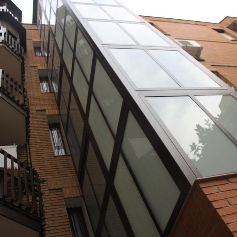 Construcción de ascensores: Trabajos realizados de REFORMAS, INSTALACIONES Y CONSTRUCCION ARAGON