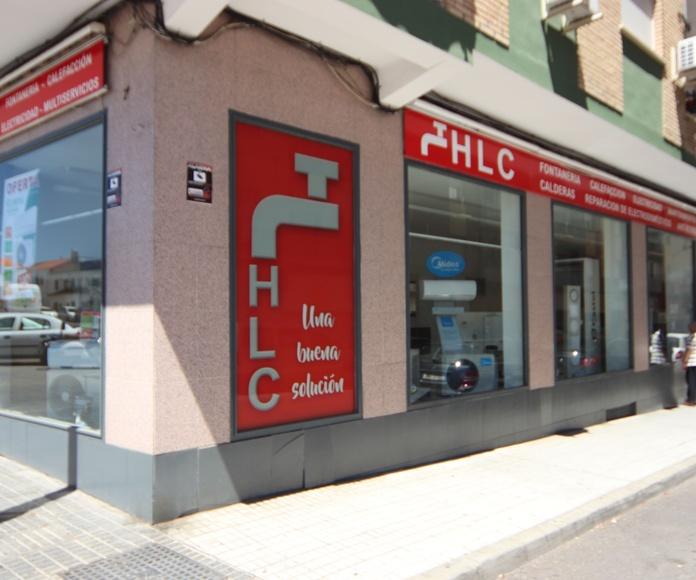 Piscinas: Suministros y servicios de Fontanería HLC
