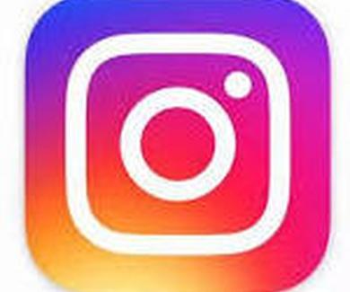 Clínica dental Moli tambien en Instagram