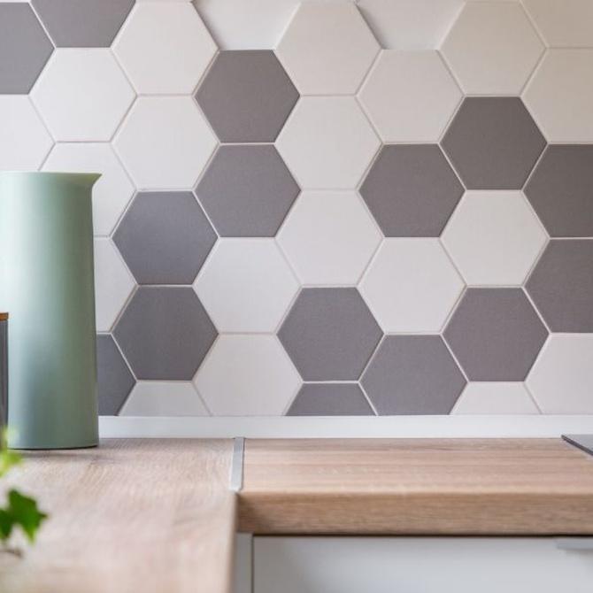Los azulejos, un revestimiento tradicional y más de moda que nunca