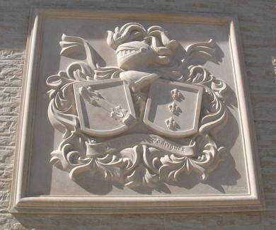 Escudos heráldicos en piedra artificial