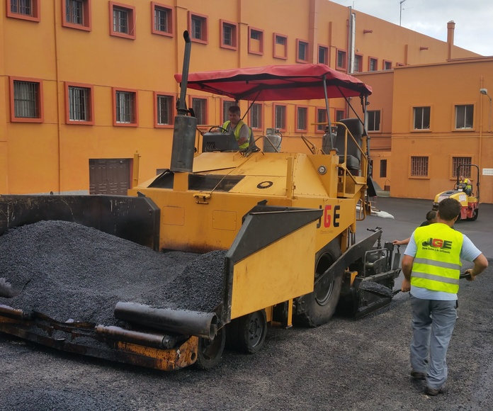 Pavimentos asfálticos: Servicios de JGE Obras Civiles y de Edificación