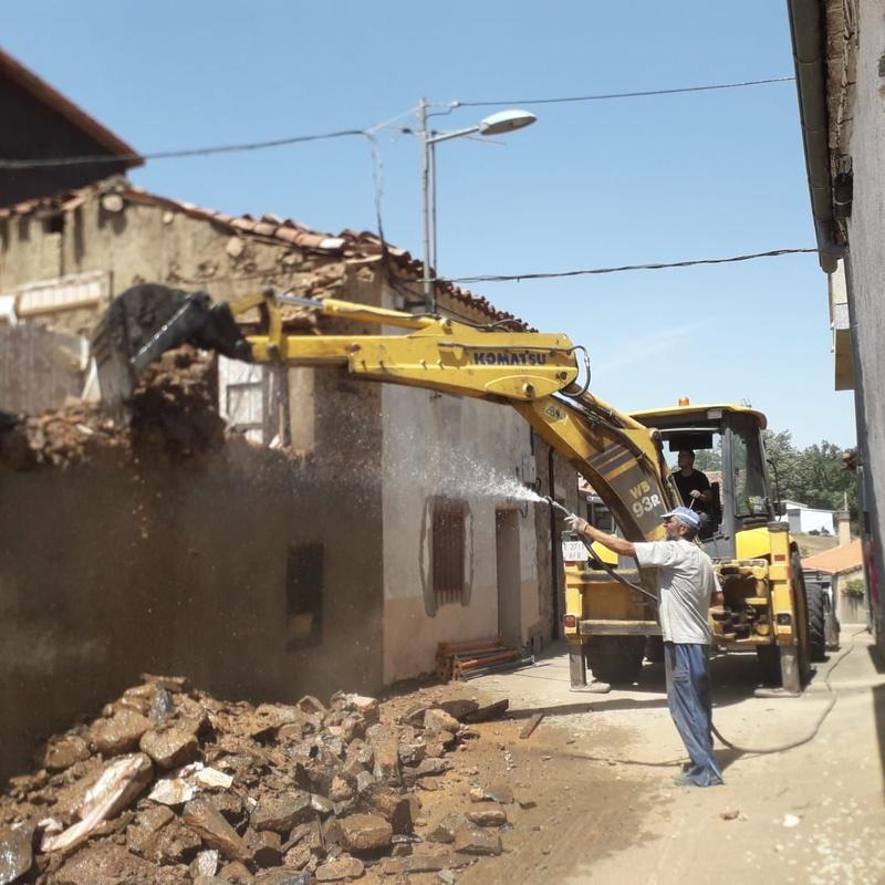 Derribo de casas antiguas