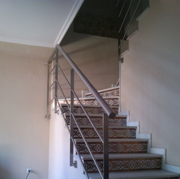 Barandilla de acero inoxidable montada en vivienda particular