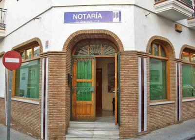 Servicios notariales: D. Pedro Real Gamundi Notario