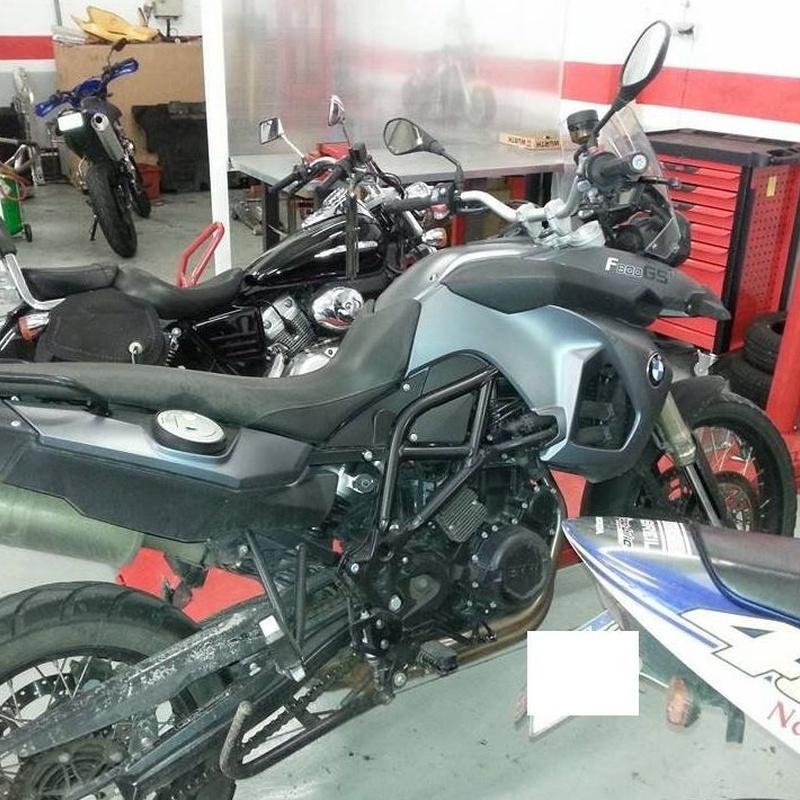 Sustitución neumáticos para motocicletas: Mantenimiento  de Autobox Sabadell