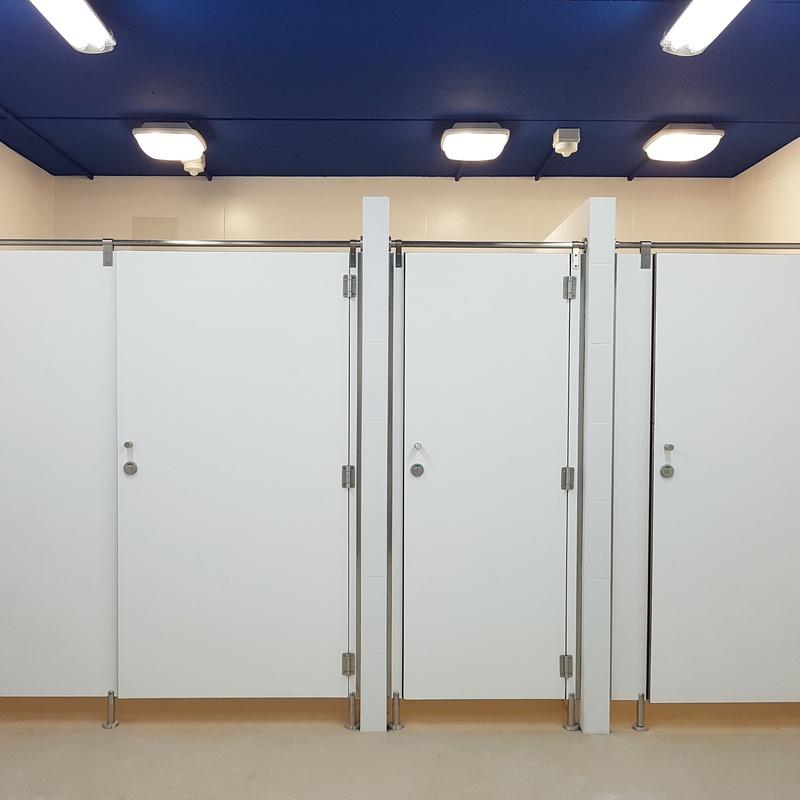 Cabinas sanitarias: Mamparas y tabiques de Moypa