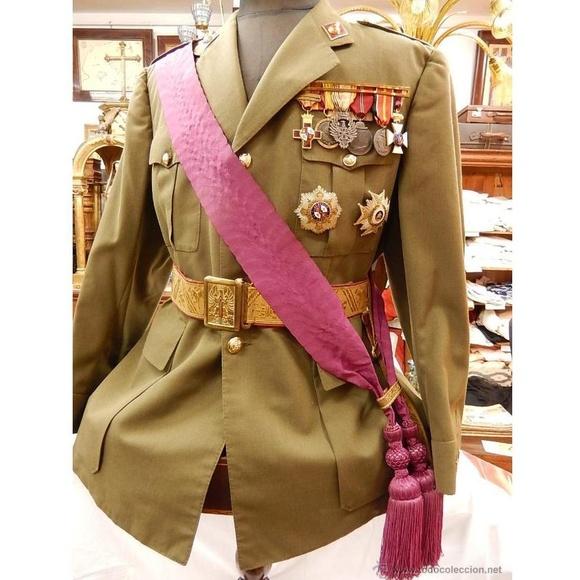 Uniforme de coronel: Catálogo de Antiga Compra-Venta