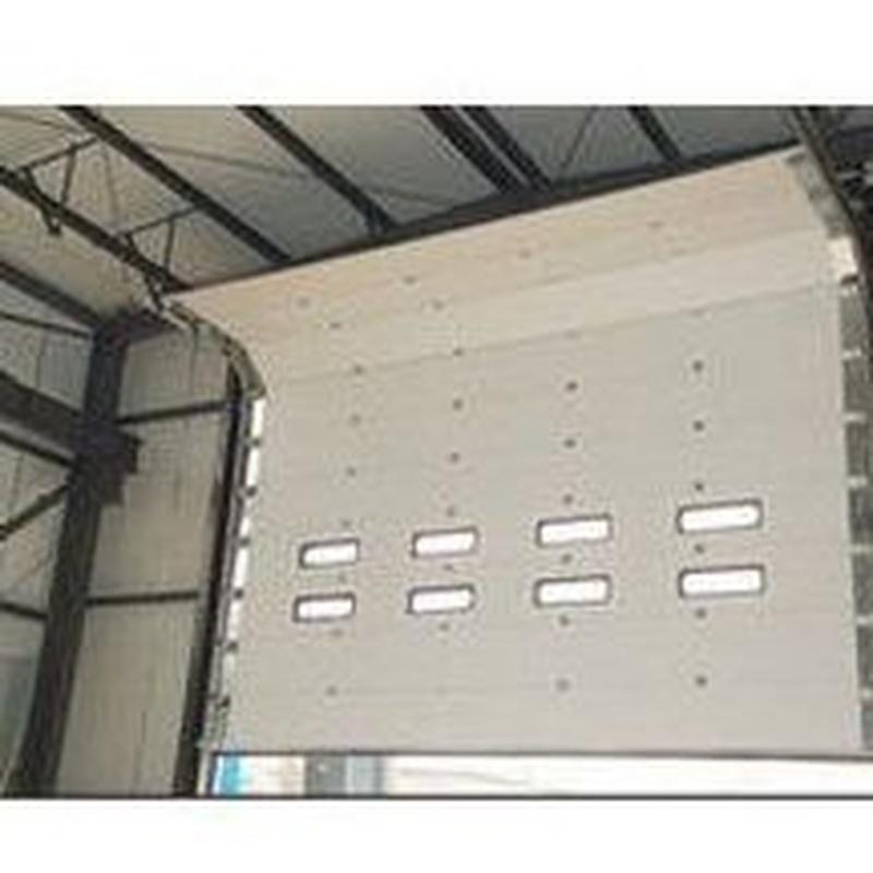 Puertas industriales seccionales: Estilos de puertas de MAFA, S.L.