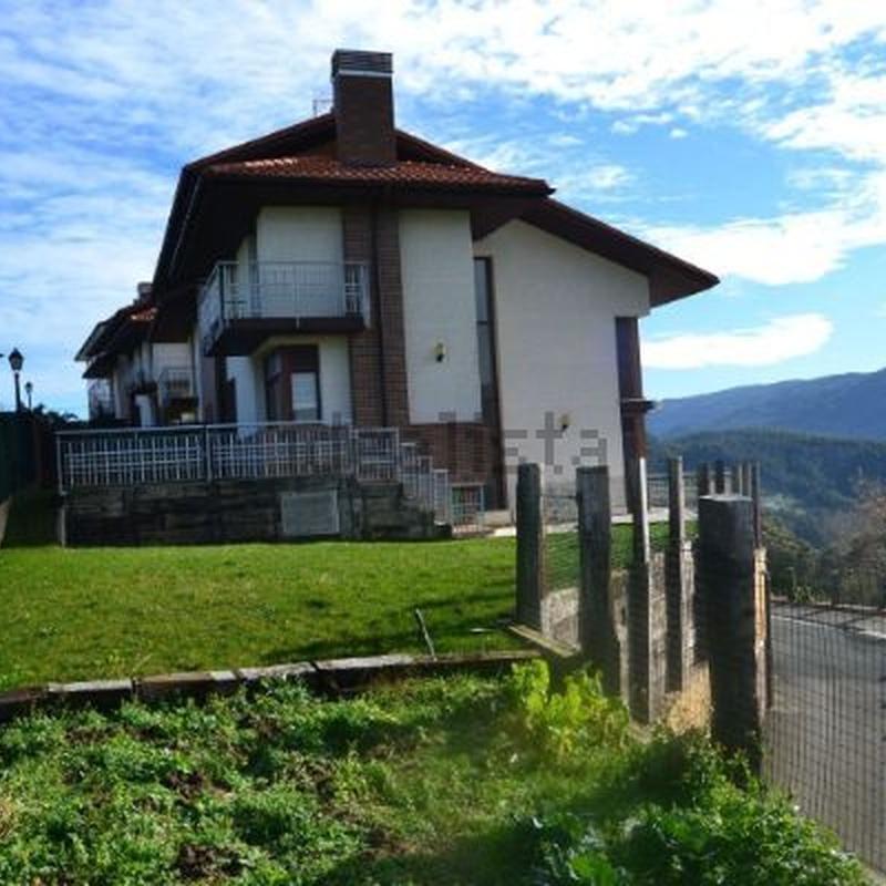 Chalet adosado en venta Natxitua - Elexalde: Inmuebles de Inmobiliaria Lur Bermeo