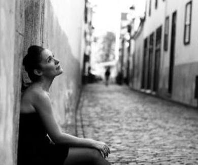 La voz de Emma Martín en Café Teatro Rayuela