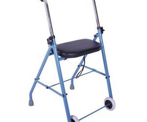 Andador de adulto plegable con dos ruedas y asiento acolchado muy ligero