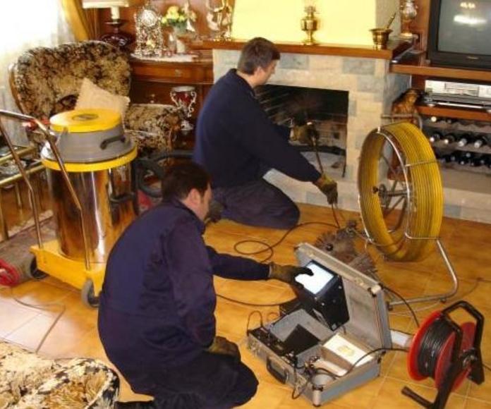Limpieza de chimenea controlada por videocámara.