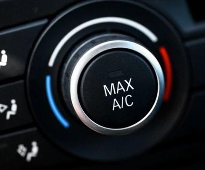 Carga el aire acondicionado de tu coche: Servicios de Talleres Montecarlo