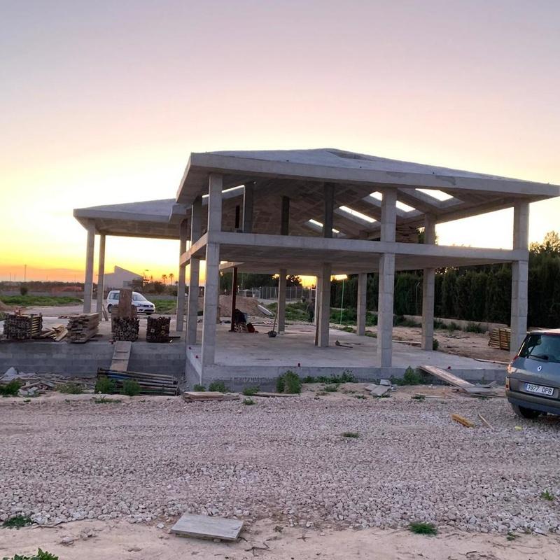 Vivienda Unifamiliar Ptda. Las Bayas. Elche.: Servicios de Construcciones Folmur, S.L.