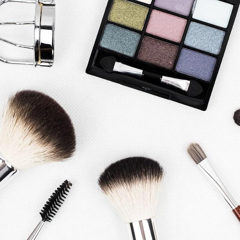 Maquillaje: Servicios de AWA Diop